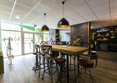 Bike And Py à Lourdes dans les Pyrénées - Shop Commencal