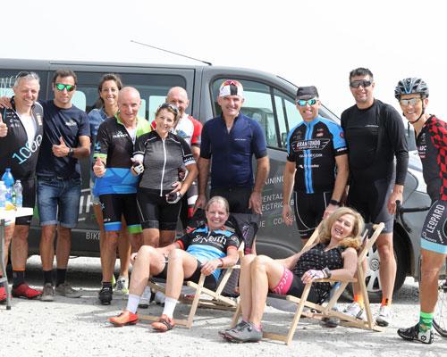 Accompagnement d'un groupe en vélo de route au col du Tourmalet - Group by road bike at the Col du Tourmalet -