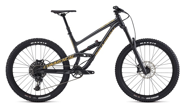 Enduro Park Mountain Bike rental Pyrenees Commencal Clash